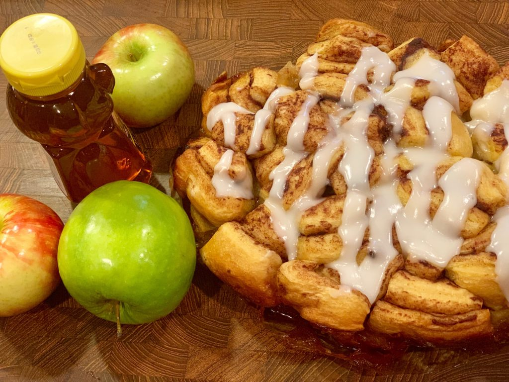 Finished Apple and honey cinnamon roll pull apart